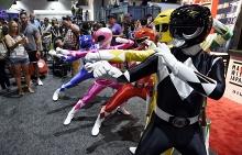 Участники Comic-Con в костюмах Могучих рейнджеров. Сан-Диего, 19 июля
