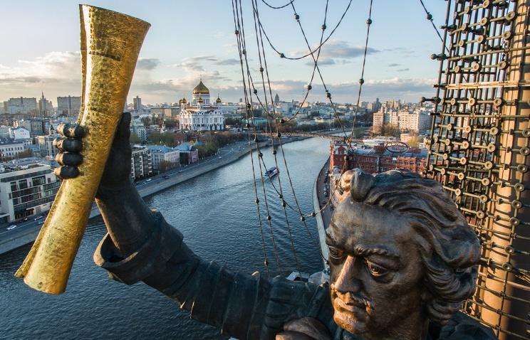 Церетели подарил Омску монумент Петру I