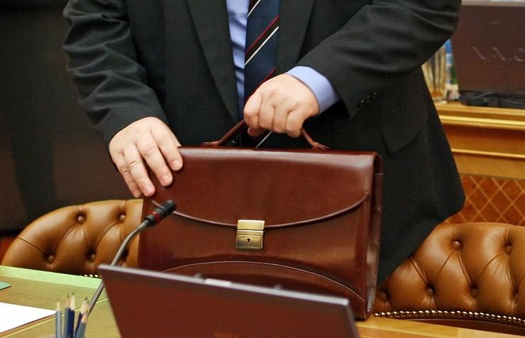 Министр финансов РФпредлагает заморозить заработной платы госслужащих натри года