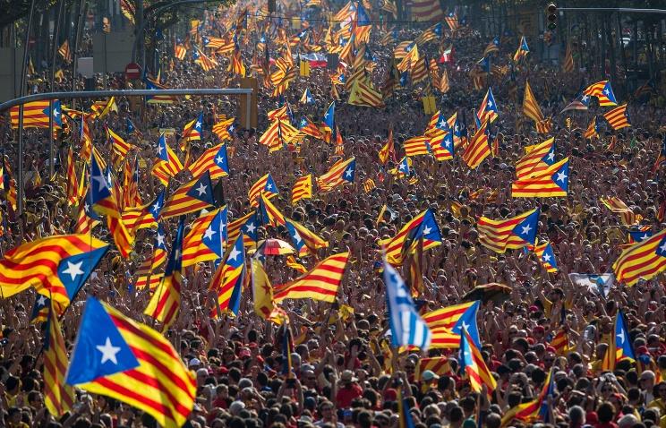 Власти Каталонии готовят удостоверения личности для будущих жителей республики