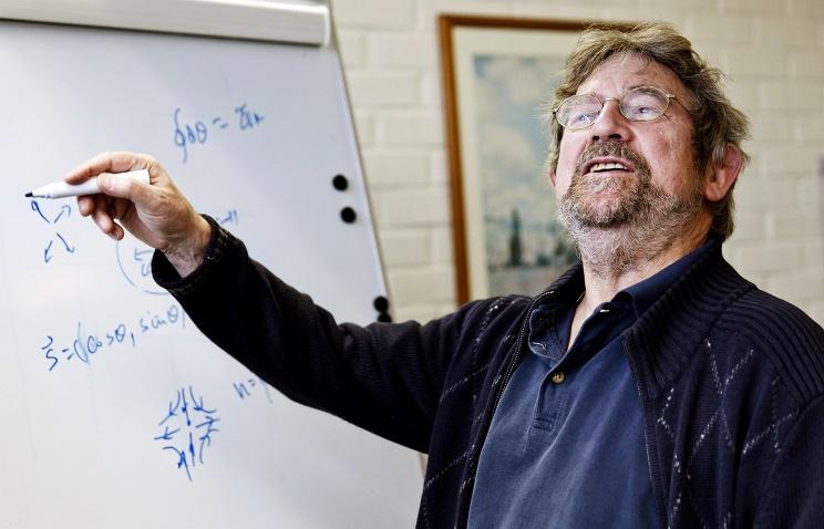 Нобелевская награда пофизике присуждена затопологические фазовые переходы