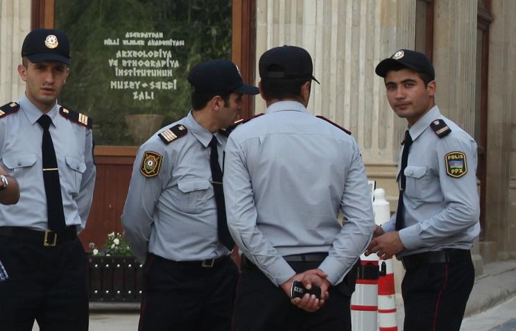 Уторгового центра встолице Азербайджана устранили смертника cбомбой