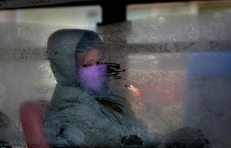 Ребенка высадили изновгородского автобуса намороз из-за отсутствия сдачи