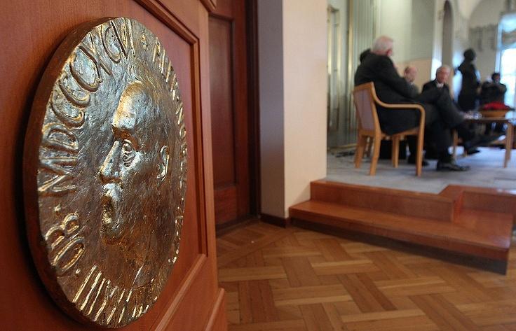 ВНорвегии считают, чтоРФ помешала Порошенко получить Нобелевскую премию