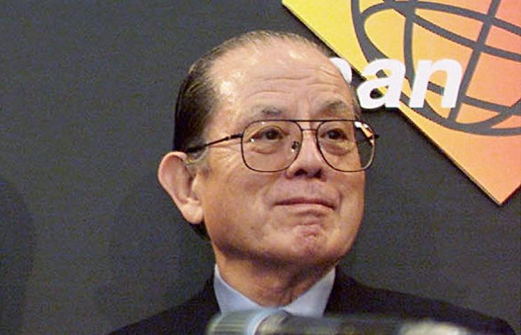 Масая Накамура 2000 год