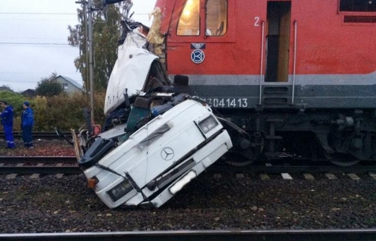 21 человек умер , 15 пострадали: поезд протаранил автобус под Владимиром