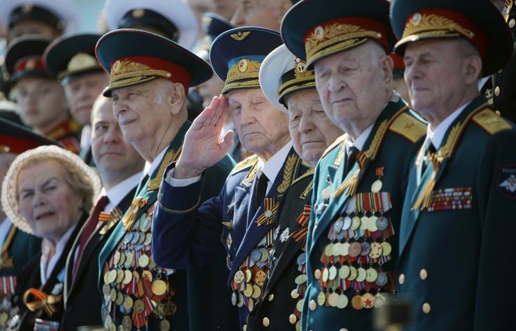 Ветераны кгодовщине Битвы под Москвой получат по 10 000 руб.