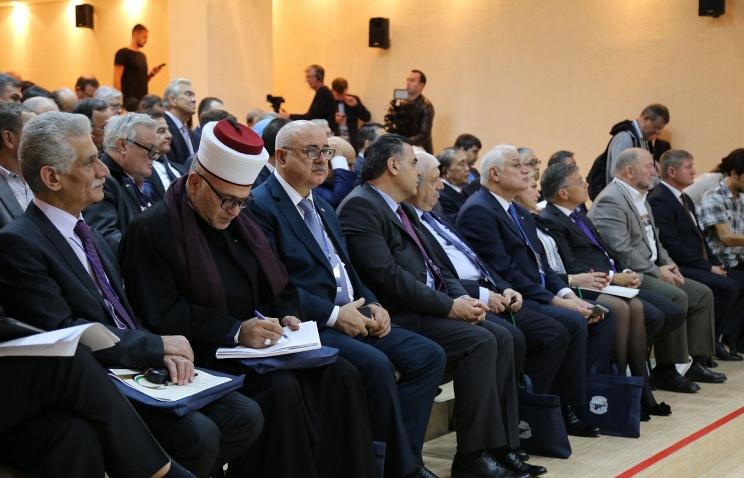 ВЛивадию наФорум друзей Крыма приехали делегаты из30 стран