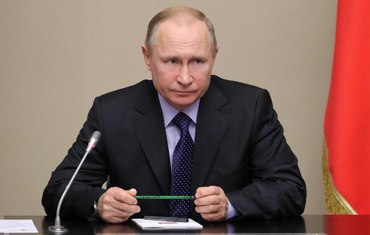 Путин продлил действие продовольственных антисанкций