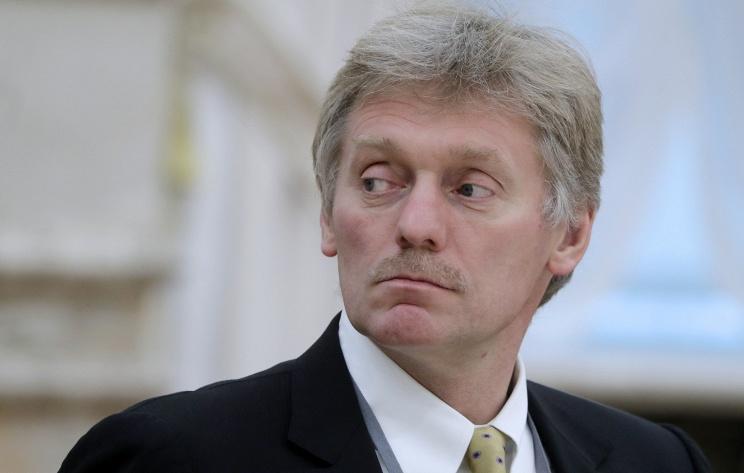 Песков назвал неприемлимым введение санкций противРФ из-за отравления Скрипалей